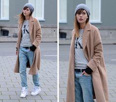 Lucy De B. - Calvin Klein T Shirt - 90s