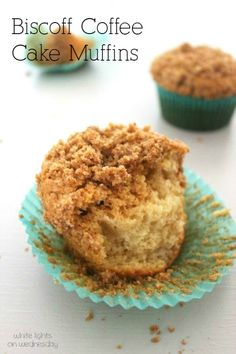 Cookie Butter Coffee Cake Muffins are a fluffy and flavorful breakfast bite that rivals any pastry shop! Muffin Cake Recipe, Muffin Recipes, Baking Recipes, Cookie Recipes, Speculoos Cookie Butter, Butter Cookies Recipe, No Bake Desserts, Just Desserts, Dessert Recipes