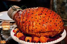 Fav recipe - Maple Glazed Ham Nothing says Christmas quite like a sweet roasted leg of ham. Xmas Ham, Christmas Ham Recipes, Holiday Foods, Holiday Recipes, Christmas Lunch, Christmas Cooking, Christmas Ideas, Christmas Goodies, Family Christmas