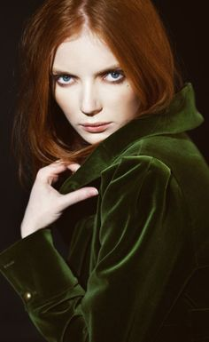Red hair & green velvet... what a perfect combination.