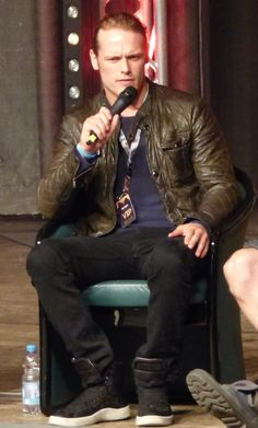 From Outlander Onwards - ilikemymenbritish: Sam Heughan at RingCon Part 1