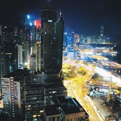 Instagram【rshibata11】さんの写真をピンしています。 《• Hello Hong Kong 🇭🇰 #layover #travel #cabincrew #crewlife #flying #traveling #world #sightseeing #explore #wanderlust #retripnews #travelawesome #asia #hongkong #nightview #skyline  #レイオーバー #フライト #キャビンクルー #世界 #旅 #香港 #夜景》