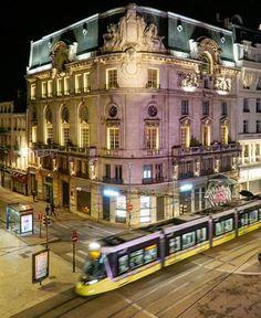 mon l'arret prefere Grand Moulin- a cote de l'Hôtel des Ingénieurs (photo de FB) Saint Etienne, Le Moulin, Photos, Mansions, House Styles, Home Decor, Audio Engineer, Mansion Houses, Pictures
