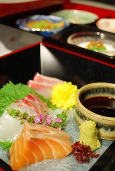 Okayama|Restaurant|酒菜屋・錦町 はぎ / 岡山のグルメ【えざかや】|新鮮なお刺身と前菜四種盛り