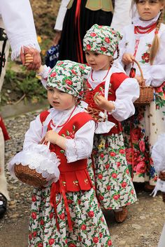 Polish Folk Costumes by peace-on-earth.org, via Flickr