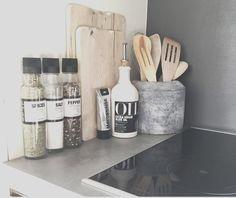 Kitchen Desk Organization, Kitchen Desks, Apartment Kitchen, Home Decor Kitchen, Kitchen Interior, Interior Design Living Room, Home Kitchens, Kitchen Utensils, Organization Ideas