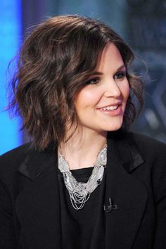 Ginnifer Goodwin short curly hair This hairstyle and Lisa Renna's have been loved by so many gals on here.