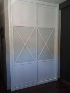 """Modelo """"Aspas"""" en puerta corredera"""