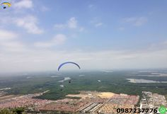 Paragliding Guayaquil Ecuador We climb in 4x4 to the takeoff zone which has the height of 305 meters. Come and enjoy this adventure sport 15 to 20 minutes in the air.
