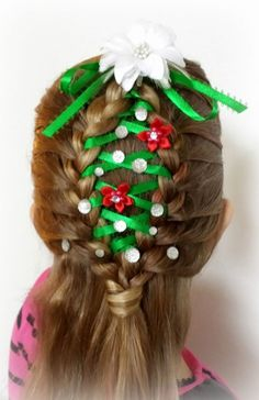 Christmas Party Hairstyles New Christmas Hair We Made This Really Weihnachtsfeier Frisuren New Christmas Hair We Made This Really –. Christmas Tree Hair, Merry Christmas, Vintage Christmas, Cherry Red Lipstick, Christmas Party Hairstyles, Natural Hair Styles, Short Hair Styles, Hair Videos, Hairstyles Videos