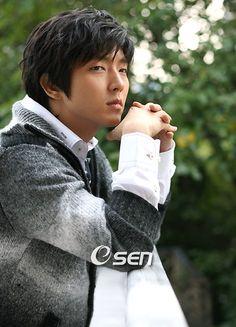 Lee Joon Ki9
