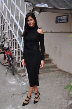 Indian Girls Villa: Katrina Kaif Looks Stunning In Black Dress At 'Pha. Bollywood Outfits, Bollywood Fashion, Katrina Kaif, Most Beautiful Bollywood Actress, Beautiful Actresses, Balmain Dress, Blue Evening Gowns, Monochrome Outfit, Celebrity Style Inspiration