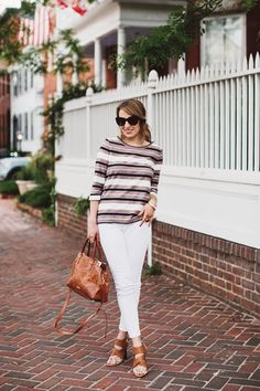 How to wear white jeans for work & weekend with Old Navy.