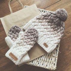 Gorros y mitones de punto # strickmütze, Loom Knitting, Knitting Patterns Free, Knit Patterns, Baby Knitting, Knitting Needles, Crochet Mittens, Knitted Hats, Knit Crochet, Crochet Hats