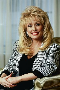 Dolly Parton Hairstyle Loose Wave Synthetic Hair Women Lace Front Cap Wigs - wigsiu Source You are i Dolly Parton Music, Dolly Parton Wigs, Dolly Parton Quotes, Undercut Pixie, Undercut Hairstyles, Straight Hairstyles, Undercut Designs, Dolly Parton Tattoos, 18 Inch Hair