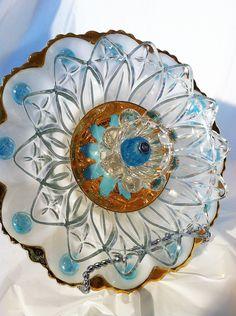 Beautiful Vintage Glass Garden Flower ...................................... by BowKnott (Etsy)