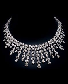 Sell Silver,Cash for Silver Delhi,Where To Sell My Silver Near Me,Best Silver Buyers Diamond Necklace Set, Diamond Jewelry, Dimond Necklace, Circle Necklace, Pendant Necklace, Indian Jewelry Sets, Fine Jewelry, India Jewelry, Perfume