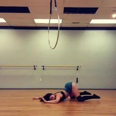 Just Rollin around on the floor like I'm not bruised inside and out ;) #aerialnation #aerialist #aerial #aerialhoop #lyra #hoop #hoopdancer #beastlybuilt #fit #fitness #dancer #girlswithmuscle #muscle #strong #flex #flexible #bendy #aerialbeauty #aerialaddict #circustraining #training #poledancer #aerialhooptricks #strongissexy #floorwork #dance #floorfuckery #exotic #contortionist