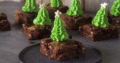 Χριστουγεννιάτικα brownies με κεράσια γλασέ