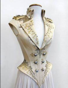 Armoured bodice in cream and gold
