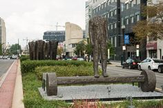 New York Avenue's Arty Median The Second Never Seen Figure On Beam with Wheels. / Photo by Lee Stalsworth © Magdalena Abakanowicz, Courtesy of Marlborough Gallery, New York