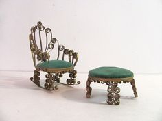 Awww this reminds me of the Fehrs!  Tin Can Chair and Footstool.