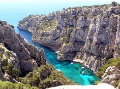 Les magnifiques calanques de Cassis. France