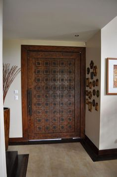 Are you looking for the best wooden doors for your home that suits perfectly? Then come and see our new content Wooden Main Door Design Ideas. House Main Door Design, Wooden Front Door Design, Home Door Design, Door Gate Design, Door Design Interior, White Wooden Doors, Rustic Doors, Wood Doors, Entry Doors