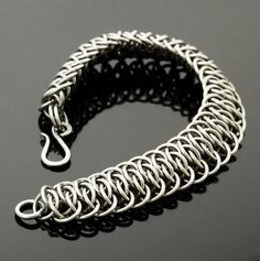 Grand Viperscale Stainless Steel Chainmaille by UnkamenSupplies Jump Ring Jewelry, Wire Jewelry, Jewelry Crafts, Beaded Jewelry, Handmade Jewelry, Wire Earrings, Jewellery, Unique Bracelets, Metal Bracelets