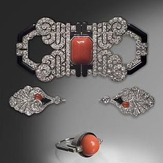 - An Art Deco set consisting of a brooch, a frill pin and a ring