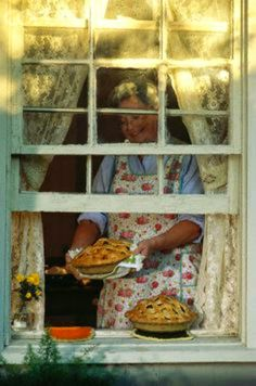 The Country Farm Home: As American As Apple Pie