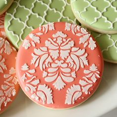 How to Make Coral Royal Icing...this is great, also has links to other colors and even a printable color chart, love this!