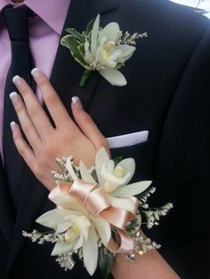 Stunning wedding corsage 43