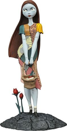 Diamond Select Toys - Nightmare Before Christmas: Femme Fatales Sally - Multi Nightmare Before Christmas Characters, Nightmare Before Christmas Decorations, Sally Nightmare Before Christmas, Disney Infinity, Jack Skellington, Fall Halloween, Halloween Costumes, Halloween Prop, Tim Burton Personajes