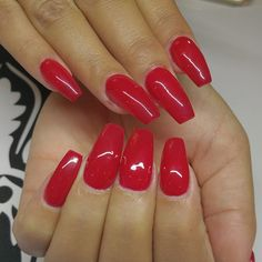 Love these red coffin nails !@misss_stefanie