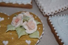 Royal icing. Glasé real. Cookies. Rosas. Flowers. Galleta decoradas. Rosa María Escribano.