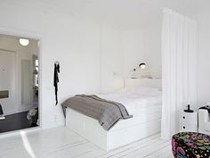 Gravity Home: How to divide a studio apartment with a curtain