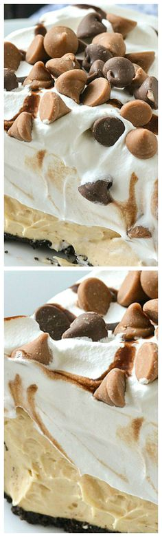 A simple recipe for creamy and delicious No-Bake Peanut Butter Pie. It only takes minutes to make with just a few ingredients! It's simply delicious! No Bake Treats, Yummy Treats, Sweet Treats, Dessert Simple, Pie Dessert, Eat Dessert First, 13 Desserts, Dessert Recipes, Peanut Butter Desserts