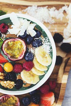 Healthy VeganBanana Spirulina Whip for Breakfast