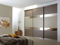 Tolóajtós beépített szekrény image 2