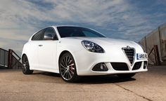 2014 Alfa Romeo Giulietta White Front View Wallpaper