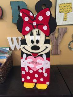 Minnie Mouse Valentine's box!