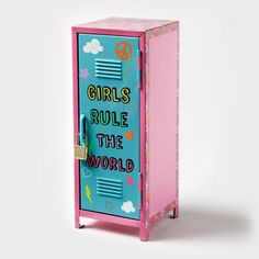 Girl power! Girls Rule The World Mini Locker
