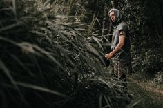 Portrait Photography Men, Photography Poses For Men, Forest Photography, Outdoor Photography, Shotting Photo, Men Photoshoot, Selfie Poses, Insta Photo Ideas, Outdoor Portraits