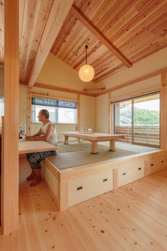 「キッチン小上がり畳」の画像検索結果 Japanese Style Bedroom, Japanese Home Design, Japanese Tea House, Japanese Interior, Style At Home, Loft Spaces, Small Spaces, Tatami Room, Minimalist Room