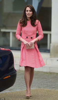 Kate leaves the Royal College of Obstetricians and Gynecologists in London on Thursday afternoon