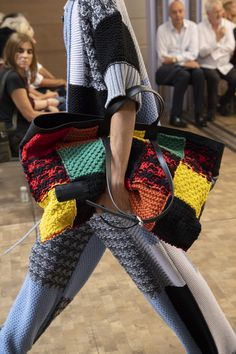 Jw Anderson Spring 2020 Men's Fashion Show Details. Designer menswear looks from Jonathan Anderson from Spring 2020 Men's runway shows from Paris Diy Fashion Videos, Diy Fashion Show, Diy Fashion Tops, Diy Fashion No Sew, Fashion Show Themes, Fashion Show Collection, Fashion Ideas, Fashion Design, Knitwear Fashion