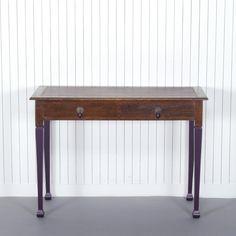 Elward desk by Xylo