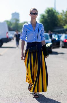 Outfit casual ma sexy: copia i 3 look mescolando abbigliamento oversize a capi della tua taglia -cosmopolitan.it