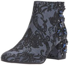 22a1fbd1be9a Circus by Sam Edelman Women s Veruca Fashion Boot Block heeled ankle bootie